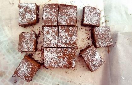 ריבועי קרם שוקולד עם פצפוצי אורז